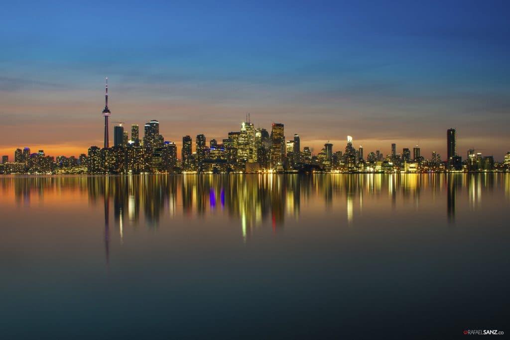 Toronto Skyline - Ontario, Canada (fotografía nocturna) | Rafael Sanz Hurtado